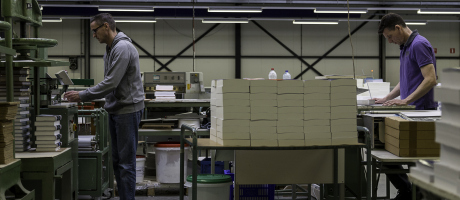 Digitale boekdruk specialist Scan Laser haalt productie van hard gebonden boeken in huis