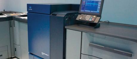 bizhub PRESS C1085 en C1100: 85/110 ppm kleurenproductieprinters met hoge performance en afdrukkwaliteit
