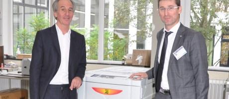 Innovatie: Jan van Eyck Academie biedt studenten digitaal zeefdrukken met RISO Digital Duplicator