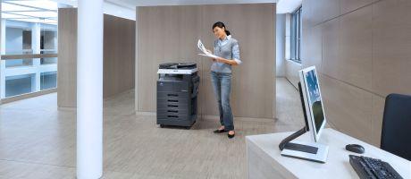 Konica Minolta's nieuwe multifunctional bizhub 226: compacte partner voor alle kantoorbehoeften