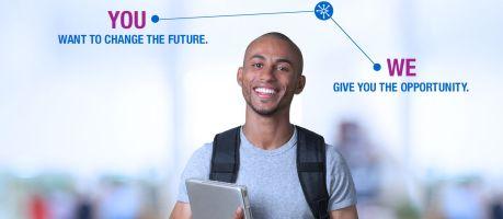 """Konica Minolta geeft impuls met """"International University Contest"""" aan het opzetten van een digitale campus"""