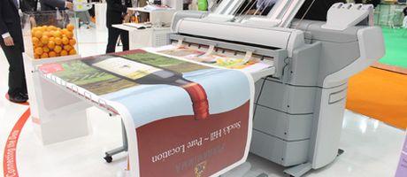 True Colours breidt haar grootformaat aanbod uit met Océ ProCut 2500L en Océ ColorWave 600 Poster Printer