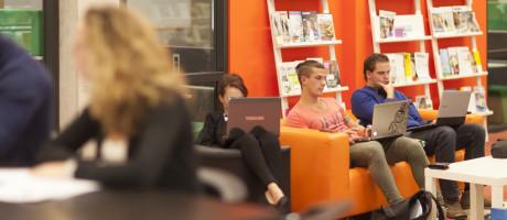Praktijk: Deltion College, HAS Hogeschool en Universiteit van Amsterdam verwerken inkomende facturen digitaal